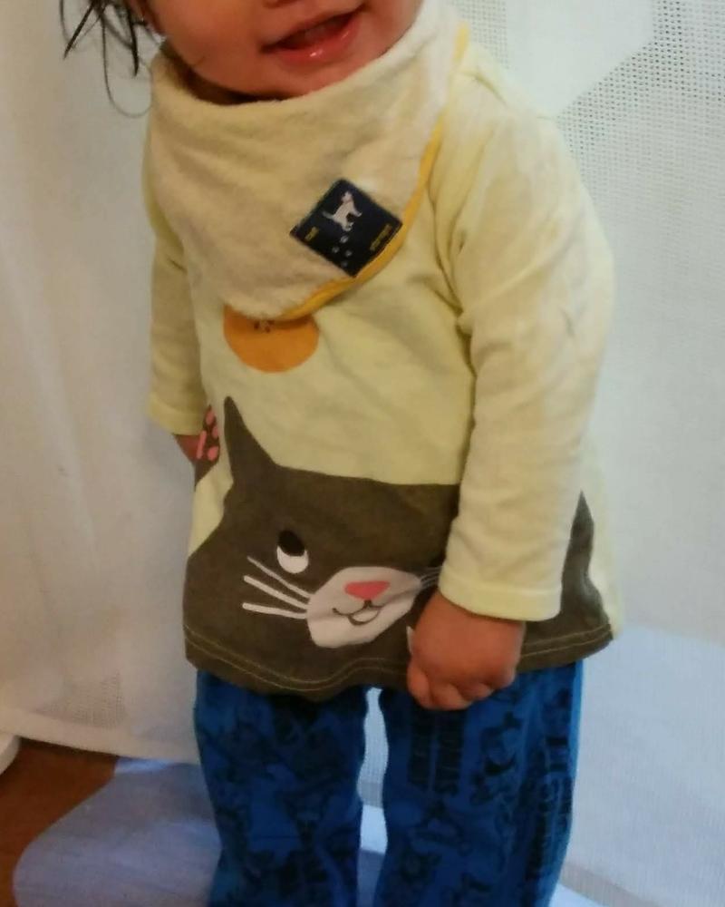 赤ちゃん本舗のcocupaのパジャマのトップスはお兄ちゃんのお下がり