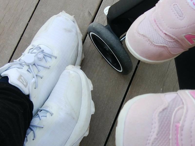 ロックパーツの結ばない靴紐は、ごつめの靴が機能的にも見た目的にも相性がいい